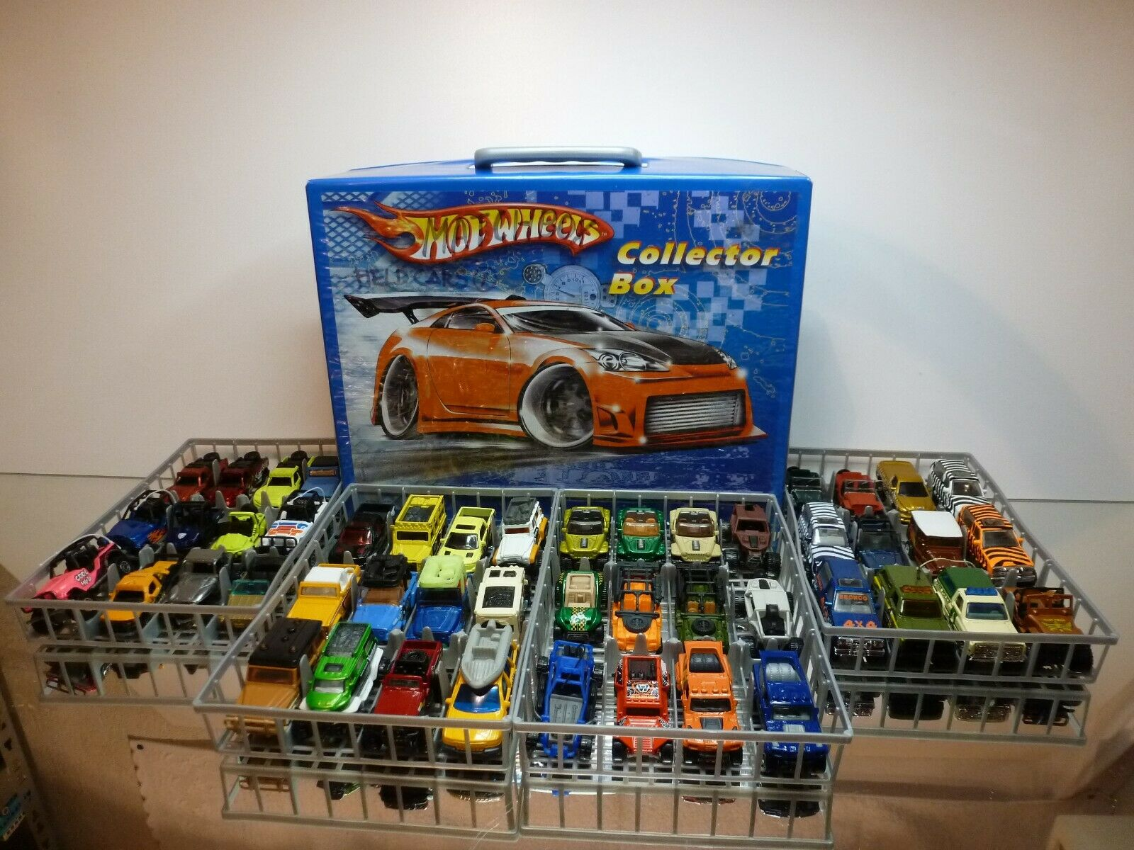 MATCHBOX 48x - 4x4 SUV MPV JEEP LAND ROVER etc - IN HOTWHEELS COLLECTOR BOX