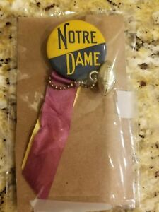 NCAA-Notre-Dame-Vintage-Football-Rockne-Pinback-Button-ND-Tickets-Basketball