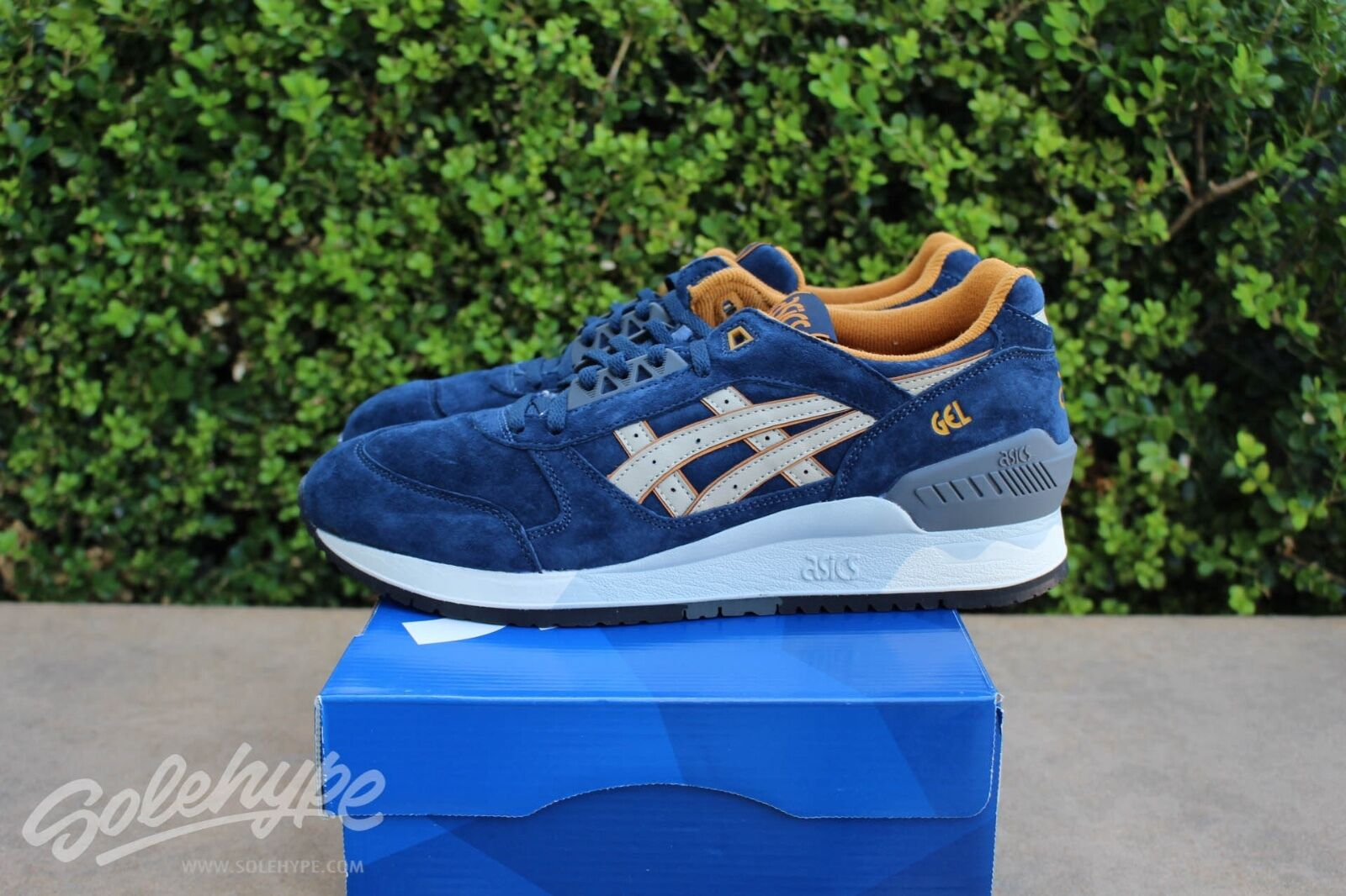 ASICS GEL RESPECTOR SZ 7 PREMIUM CASUAL PACK NAVY SAND H5X2L 5005