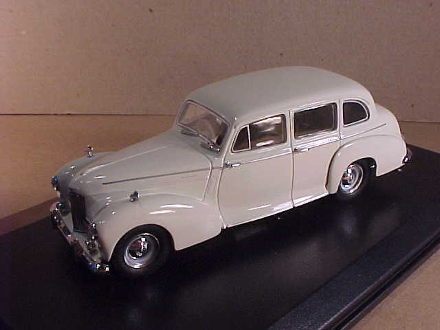 Oxford 1 43 Diecast Humber Pullman Limousine in Old English White  HPL004