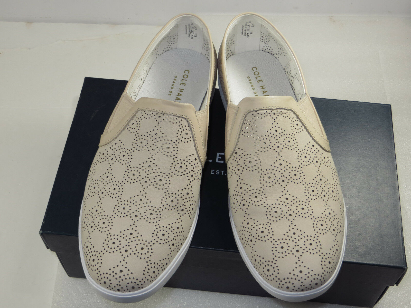 NIB COLE HAAN Womens grand.os,suede loafer light casual,dress comfy shoes11B  150