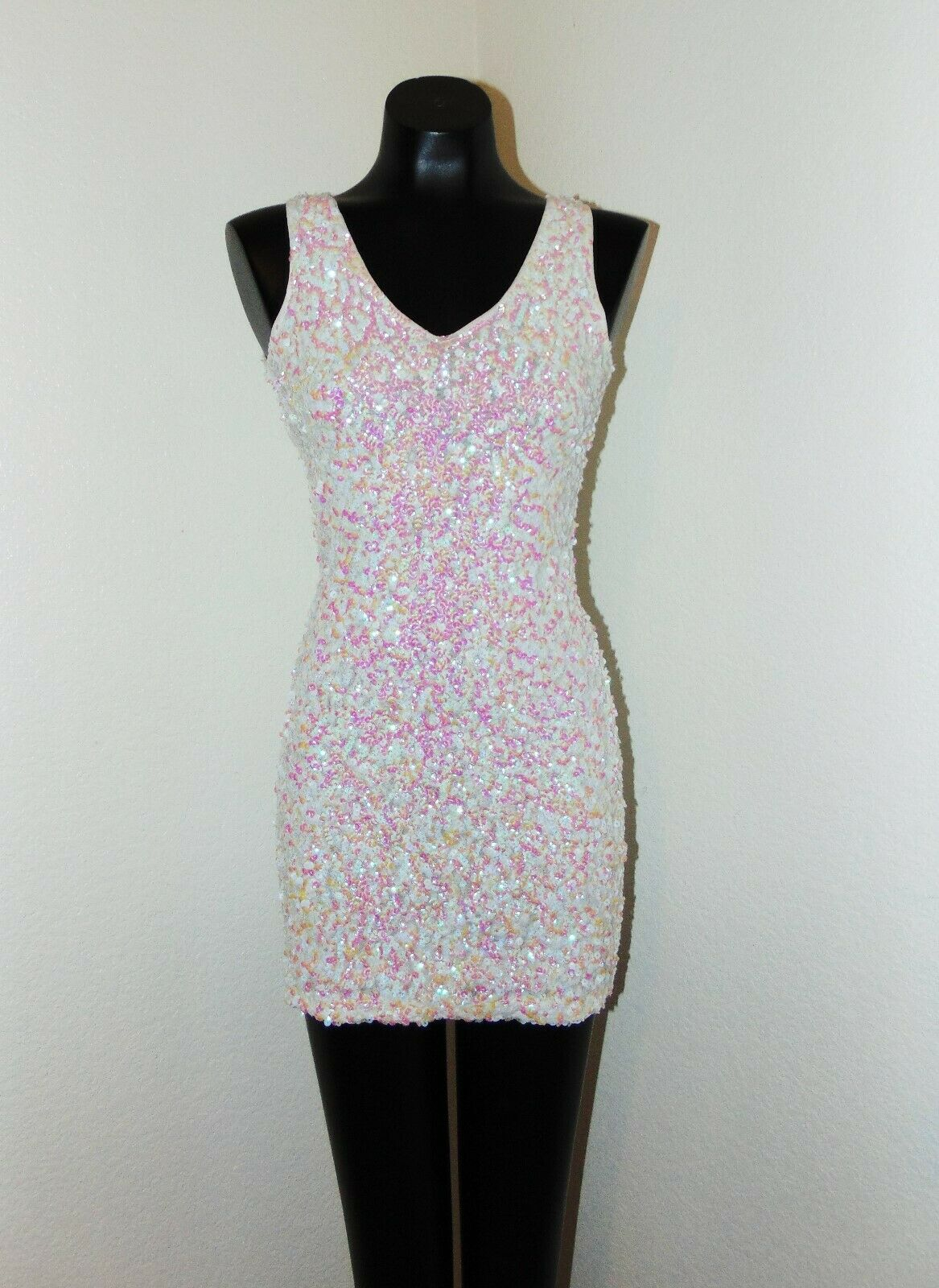 NWOT White Dress with White & Pink Sequins in sz Small