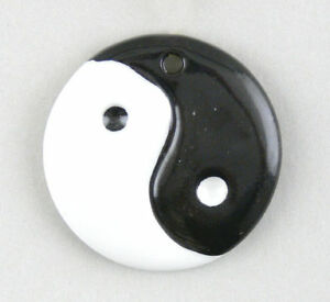 9942080-Yin-Yang-Charm-Jewellery-Pendant-Wagner-amp-Apel-Porcelain-D3-8cm