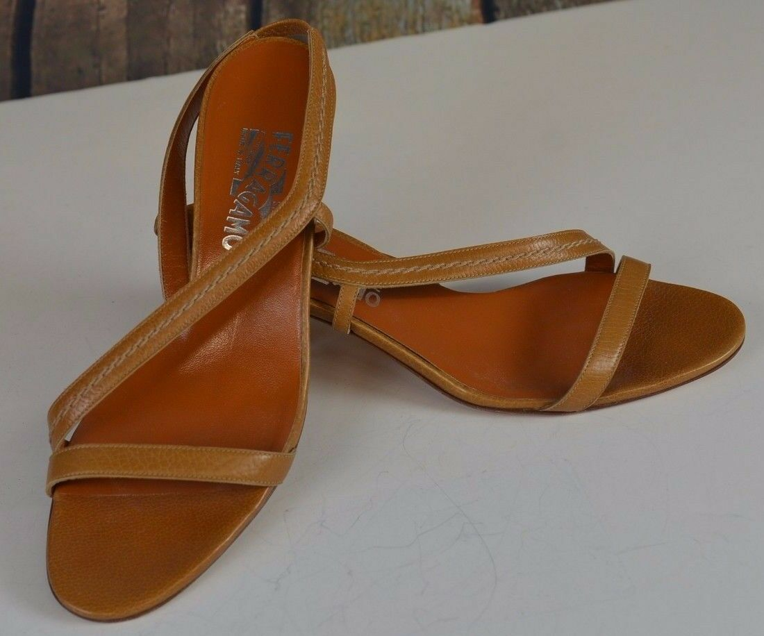 Salvatore Ferragamo 8.5 B Kitten Heels Strappy Light marron Sandals  Seams