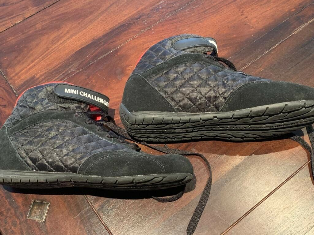 MINI Challenge Original Schuhe Turnschuhe wie neu Größe 41 Modell 80140406 796