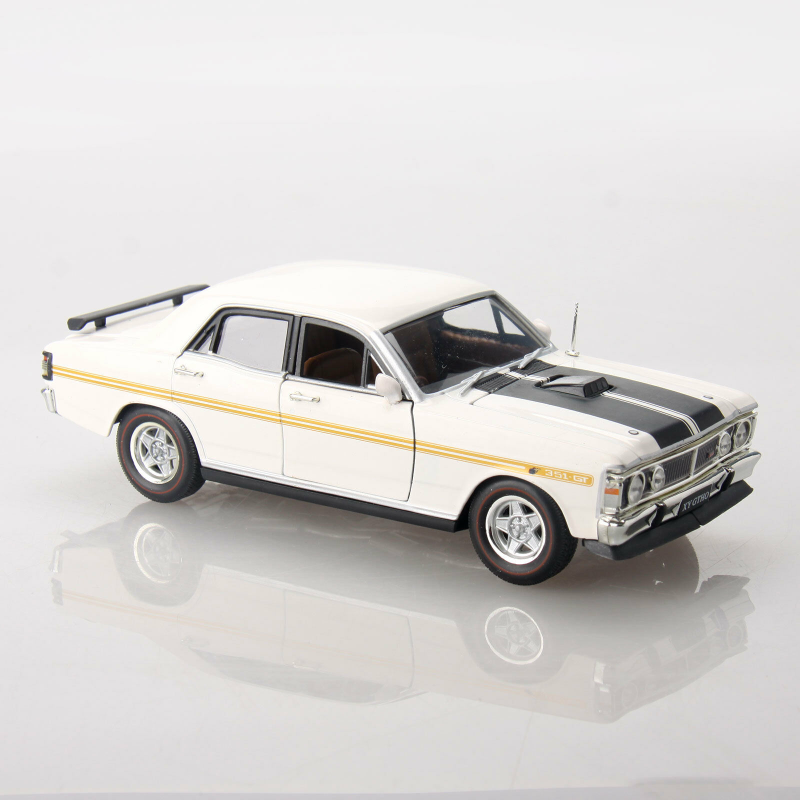 Ford Falcon XY GT HO Phase III 351 1 32 Scale Aussie Classic Diecast Car White