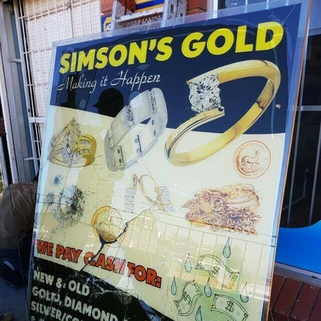 SIMSONS GOLD JEWELLERY EXCHANGE. WE PAY THE BEST PRICES FOR YOUR UNWANTED GOLD ITEMS.