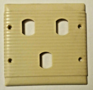 Vintage-Uniline-Bakelite-Ivory-2-Gang-3-Way-Ribbed-Light-Switch-Wall-Plate-Cover