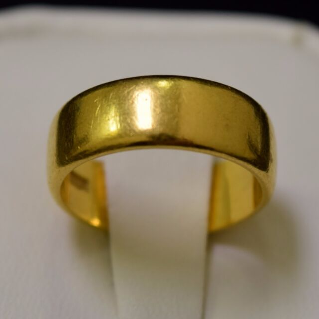 22k Yellow Gold Ring 6.01 Grams, Band Size 4.5