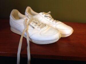 Vintage Reebok Sneakers Women's Size 7