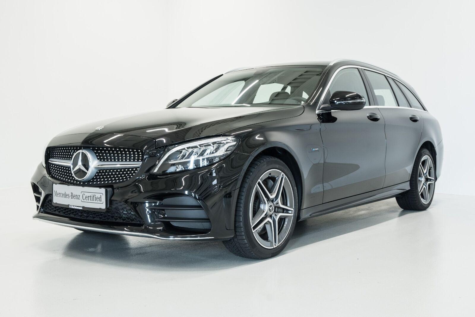 Mercedes C300 de 2,0 AMG Line stc. aut. 5d