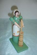 Frau mit Butterfass, alte Figur aus d. Erzgebirge, Butterfrau -  20 cm hoch