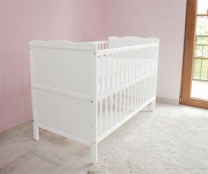 Babybett Kinderbett - Juniorbett 120x60 Weiß 3x1 inkl. Matratze