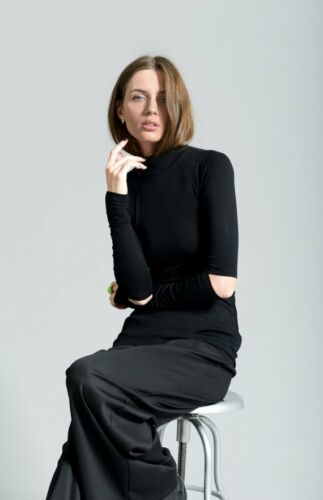 Women/'s Casual Black Turtleneck Top with Elbow Cutouts