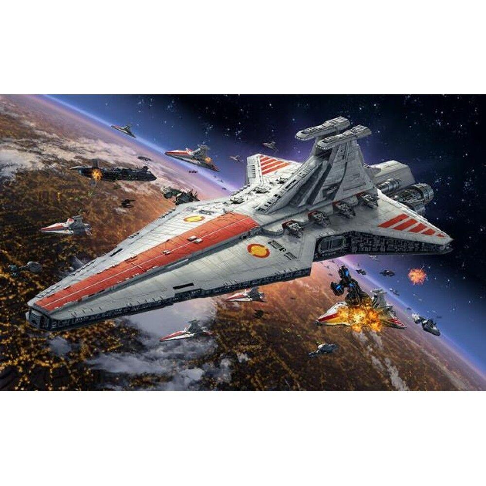 Republic Star Destroyer (Star Wars) 1 2700 Scale Level 3 Revell Model Kit