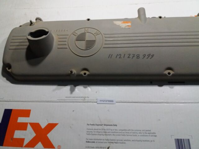 Valve Cover for BMW M30 Engine