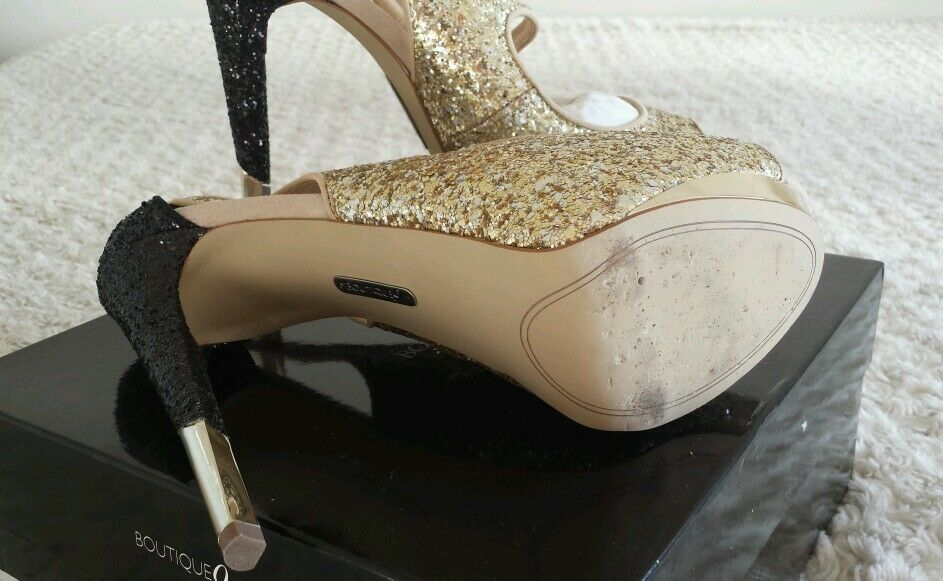 BOUTIQUE 9 NICKEYA PUMP  TWO TONE TONE TONE BLACK & goldSIZE 9NEW CONDITION  WORN 2HRS c8a7fa