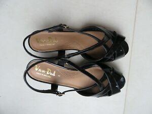 Van Dal Sandals Ladies 5.5. Wide
