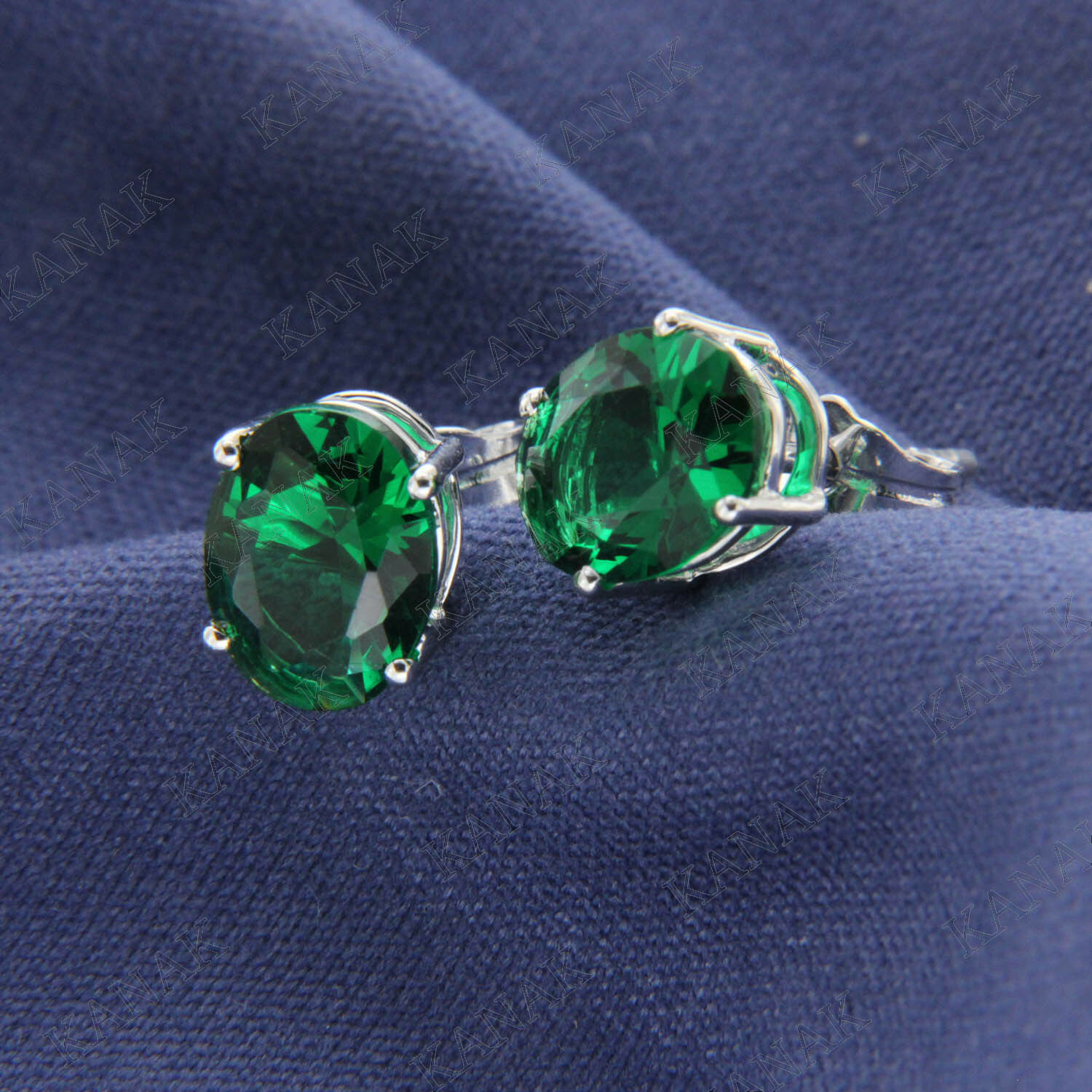 2.64 TCW Oval Cut Green Emerald Solitaire Stud Earrings 14k White gold Finish