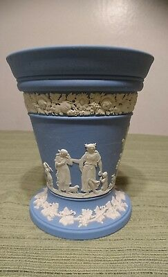 Wedgwood Jasperware Terracotta Potpourri Bowl with Frog Lid Dancing Hours NICE!