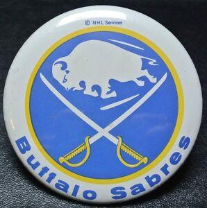 Vintage-Original-BUFFALO-SABRES-NHL-PINBACK-BUTTON-1970-s-Old-Logo-Nice