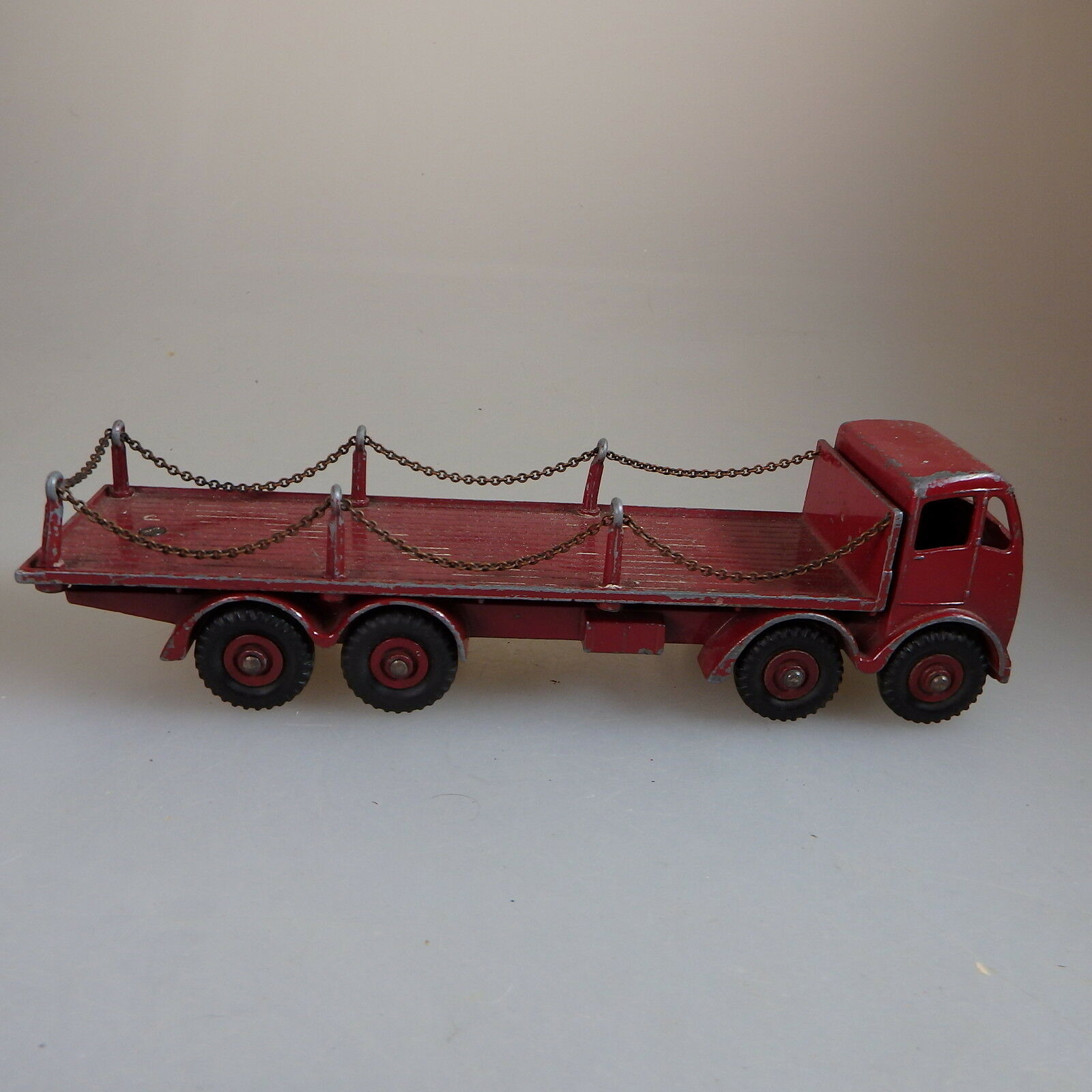 Dinky Toys No 505 Foden Flat Truck With Chains from 1953 (52050)