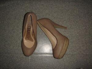 NEUF-jamais-portees-Taille-39-magnifiques-chaussures-EXCELLENT-ETAT