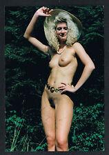 AKTFOTO, Nude Akt-Photo, Nackte im Wald, schlanke Figur, schöner Busen /122a