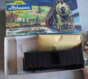 HO-Scale-Athearn-Undecorated-Black-40-Ft-Box-Car-Kit-in-Box-1200