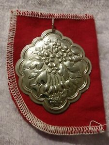 1984-Towle-Sterling-Silver-Flowers-of-Christmas-Mistletoe-Ornament-2-1-4-034