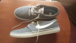 Nike-deck-shoes-size-10-1-2