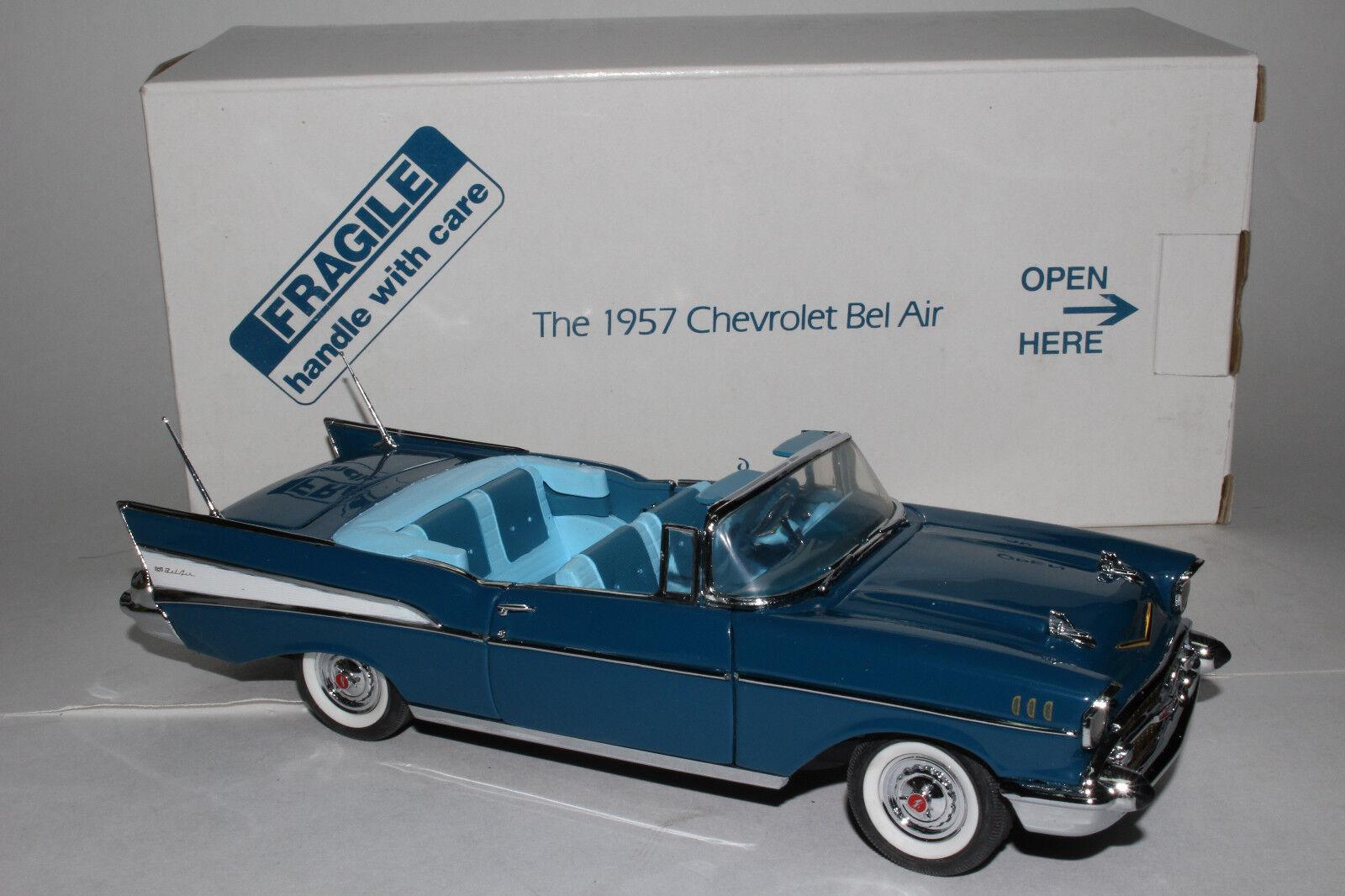 Danbury Mint 1957 Chevy Bel Air blueee Congreenible Die Cast Model 1 24 Scale