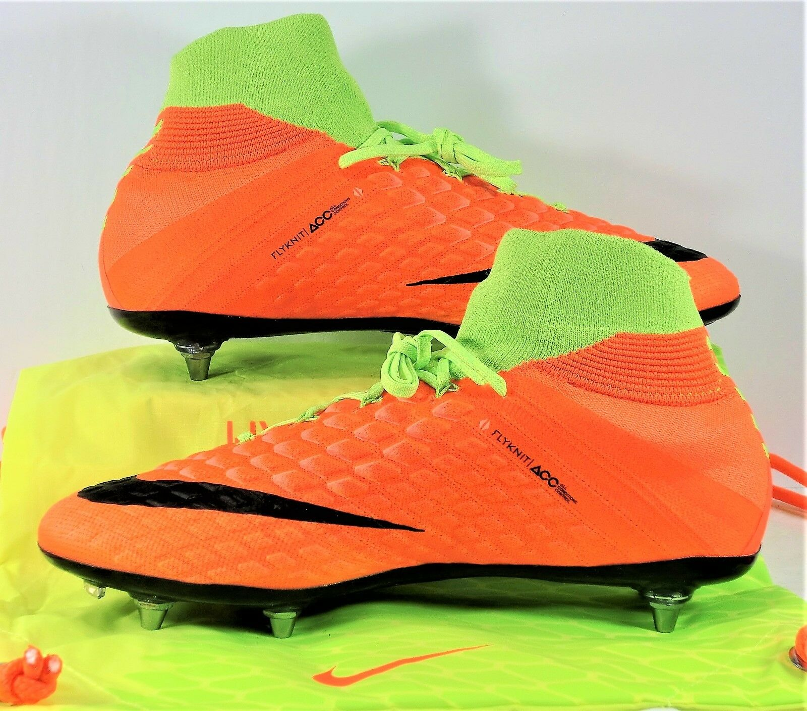 6355490181d7b Nike Hypervenom Phantom III DF SG Flyknit ACC Soccer Cleat Sz 11 ...