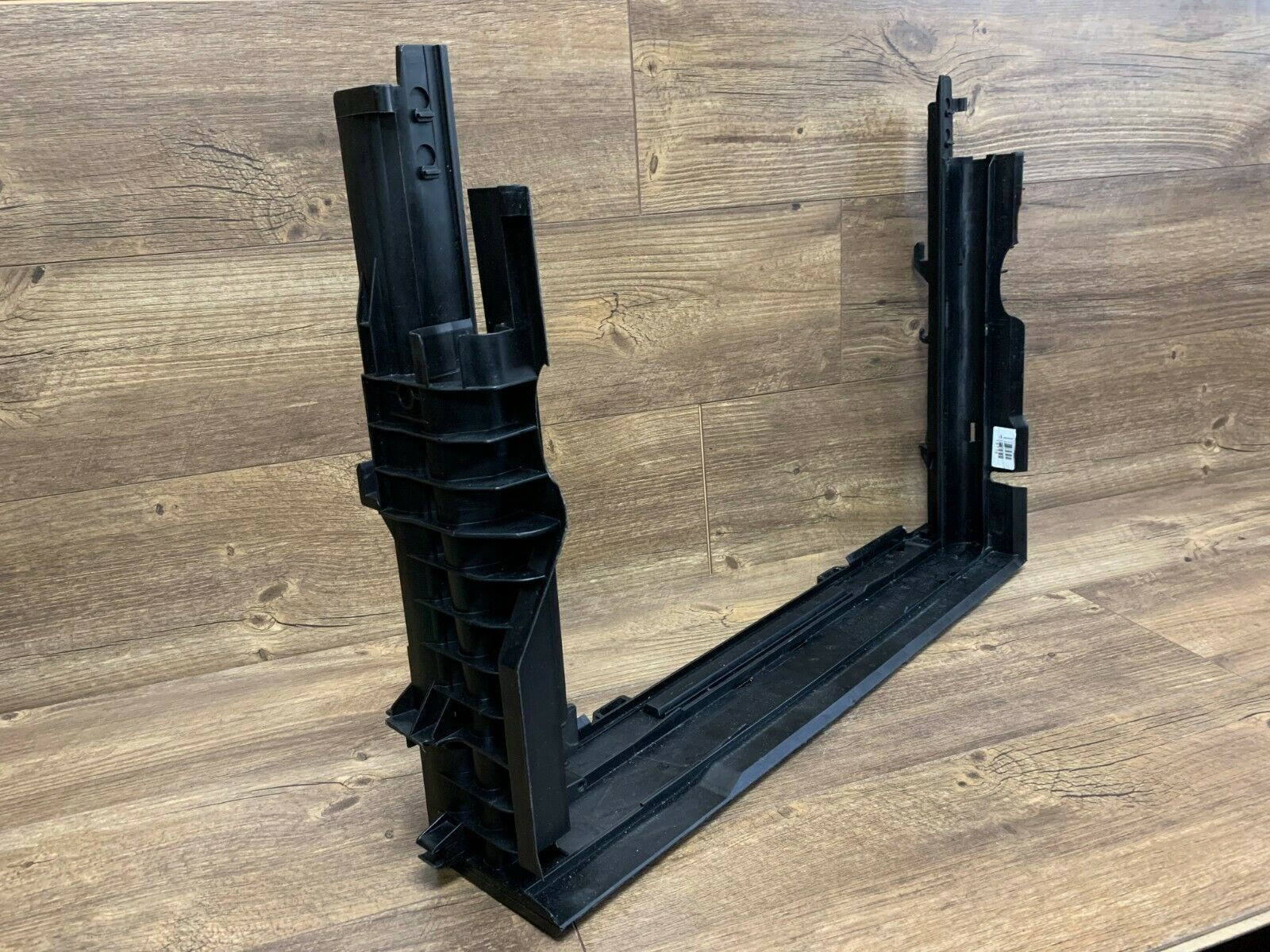 For BMW E60 E60N E61 E63 E64 Lower Radiator Support Carrier Mount Genuine