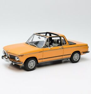 AUTOart-80430300713-Raritat-BMW-2002-Baur-Cabriolet-in-orange-1-18-OVP-K031