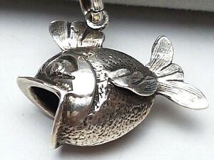 Vintage-Silber-Anhaenger-Fisch-835-punziert-amp-835-Silberkette-60er-Jahre-A-189
