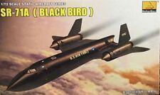 Hobby Boss  1/72 80201 SR-71A (BLACK BIRD) MODEL KIT
