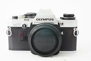 Appareil photo Olympus OM-10  OM10 - Très Bon Etat 9,5/10