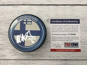 Niklas-Backstrom-Signed-Autographed-Team-Finland-Hockey-Puck-PSA-DNA-COA-a