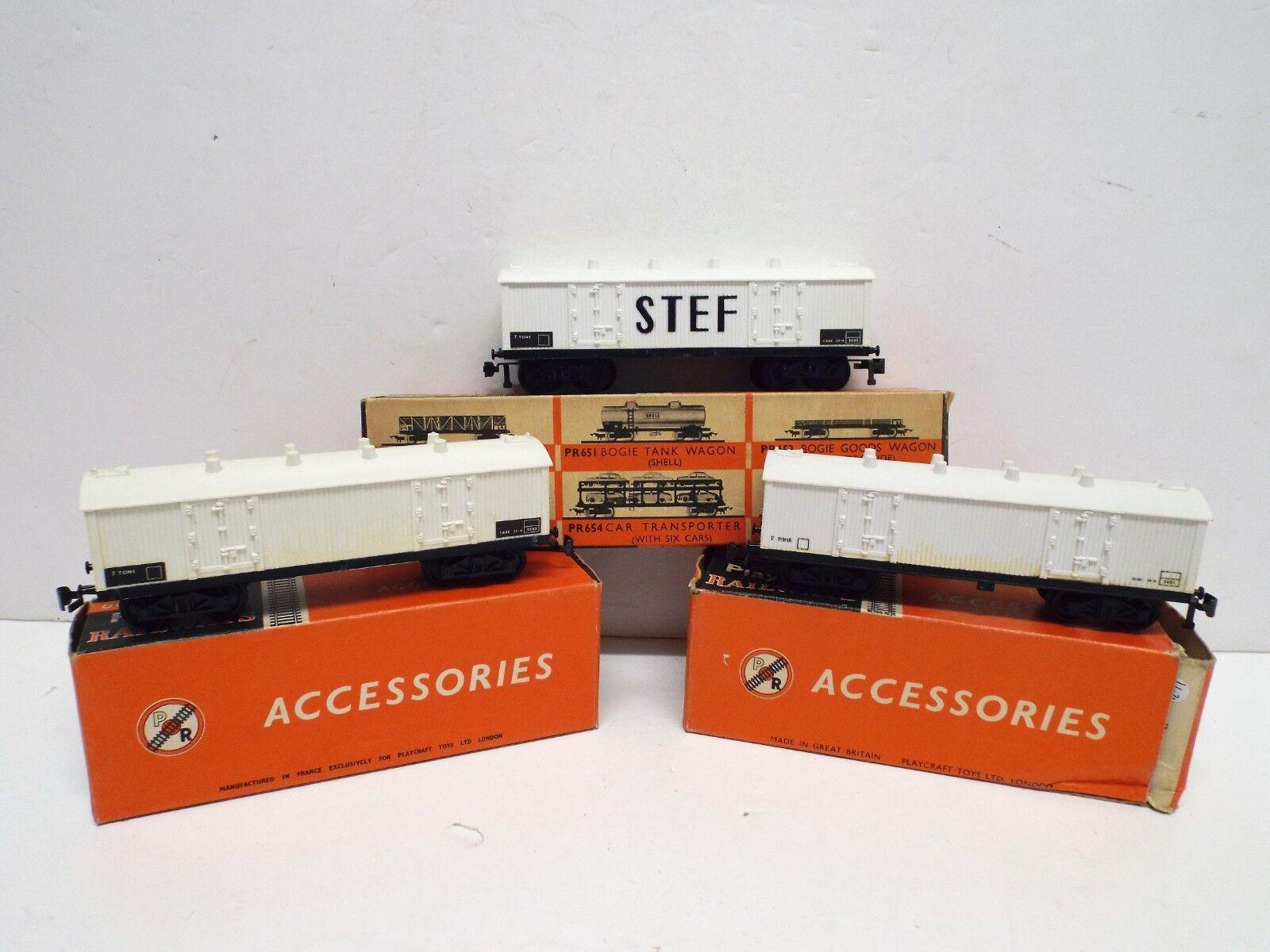PLAYCRAFT 656 X3 BOGIE REFRIGERATED VANS STEF BOXED (C425)