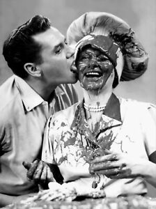 I-Love-Lucy-Lucille-Ball-Desi-Arnaz-Chocolate-Factory-8x10-Photo