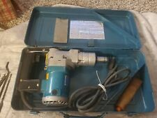 Makita Model Hr2511 1 Corded Rotary Hammer With Metal Carrying Case Amp Accessories