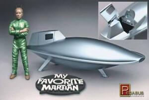Pegasus-9012-MODELS-kit-UNCLE-MARTIN-AND-SPACESHIP-new-model-kit