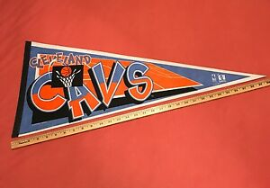 """*RARE* VINTAGE 1995 CLEVELAND CAVALIERS PENNANT NBA BASKETBALL FULL SIZE 12x30"""""""