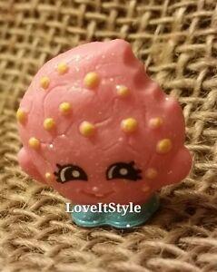 NEW-Shopkins-Season-1-Ultra-Rare-glitter-pink-Kooky-Cookie-1-039-figure-bakery
