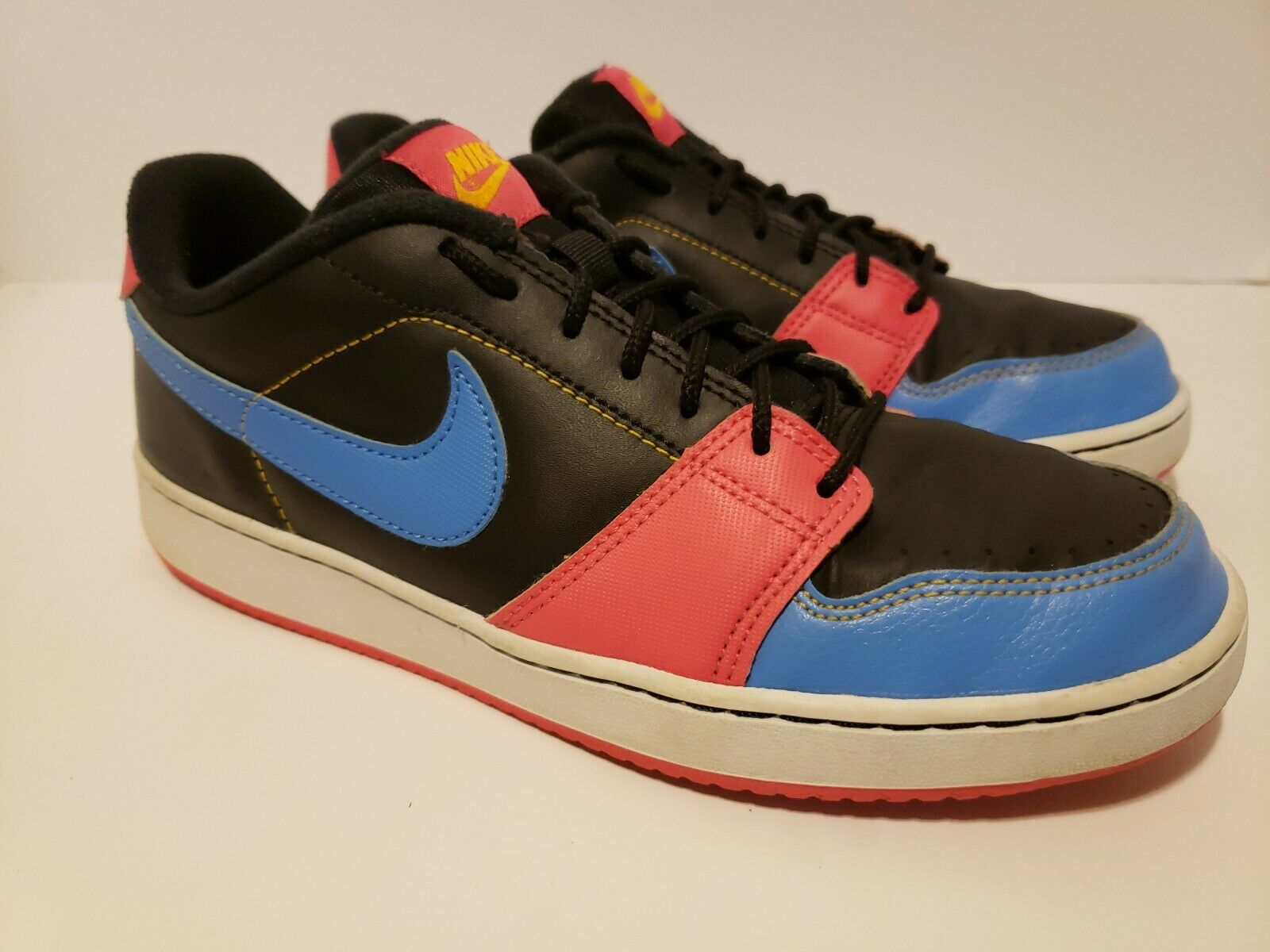 Nike SB Dunk Low Backboard Womens Size 8.5 Black bluee Pink Leather 386110-016
