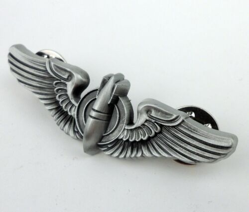 WWII US Military Bombardier Badge Pin Army Air Force Pilot Wings