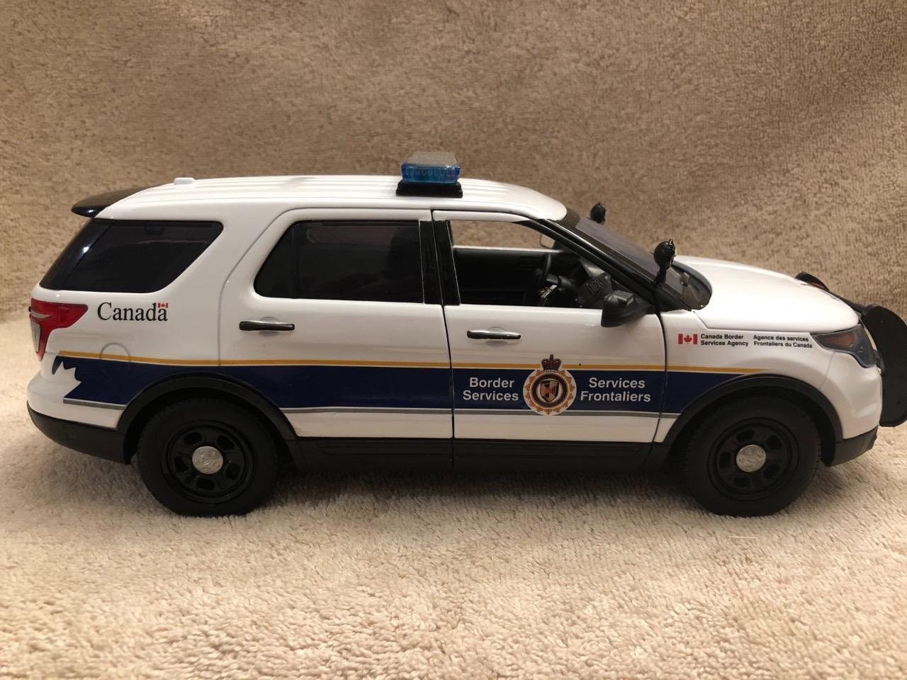 1 18 Scale Canadian Border service SUV unit model with Working Lights et sirène