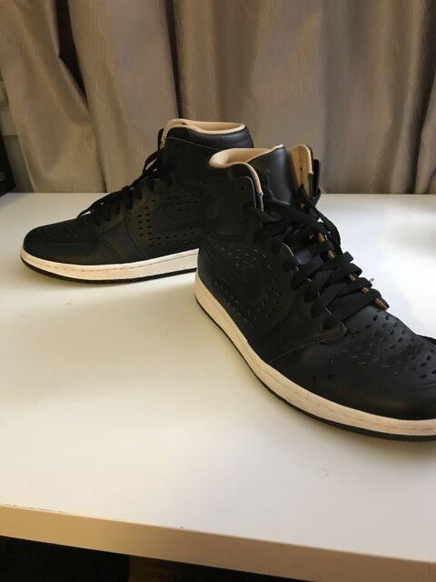 Nike Air Jordan 1 Retro High OG Black845018-030