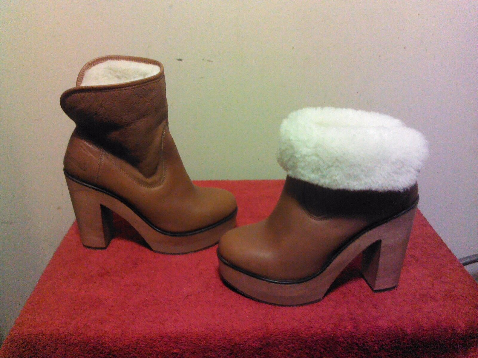 NWOB CUBANA'S PLATFORM ANKLE Shearling Lined Women's Booties US 6 Brown
